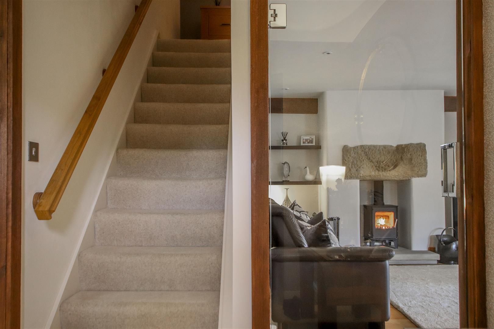 5 Bedroom Semi-detached House For Sale - 52.JPG